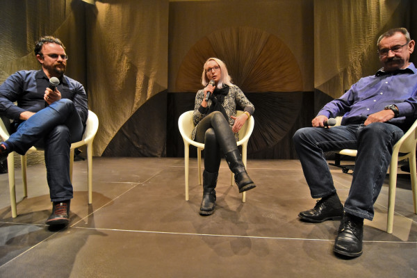 """Screening of the documentary film """"Honeyland"""" and moderated conversation with guests"""